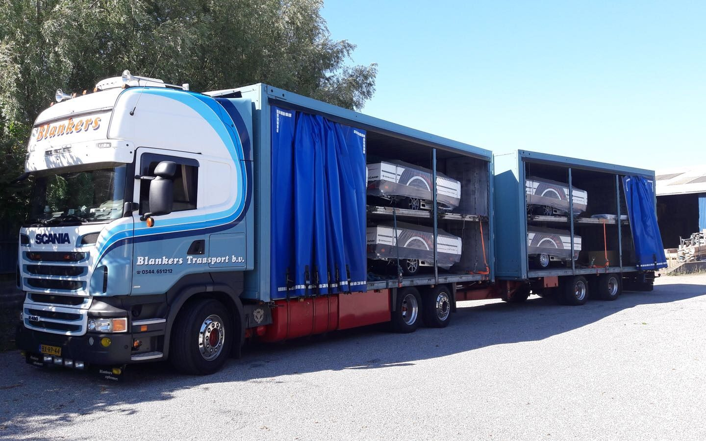 Save costs and maximize space with double deck trailer transport